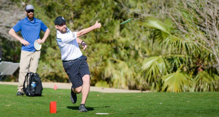 forehand throwing discs disc golf innova innovadiscs